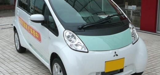 軽自動車規格の電気自動車(EV)三菱アイミーブ